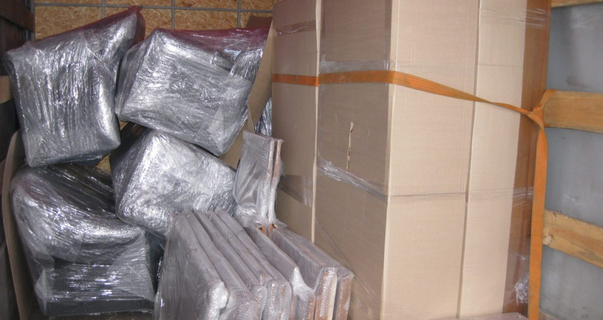 Аккуратная перевозка мебели в Ижевске
